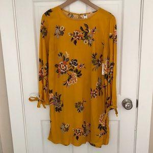 Old Navy, size medium, flowy floral dress